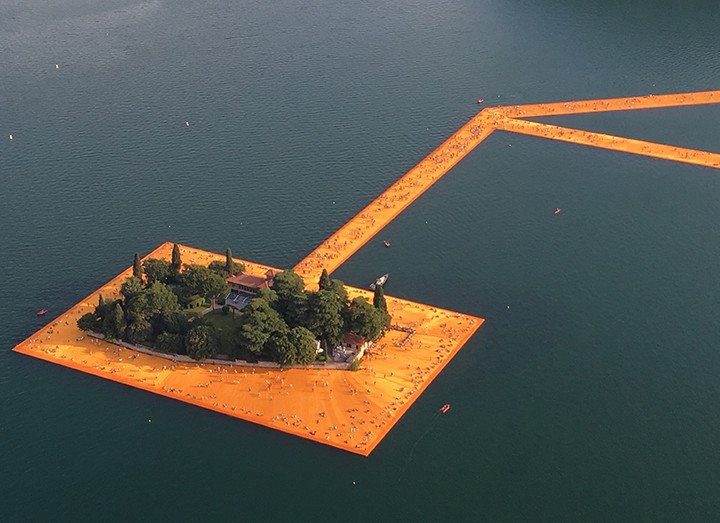 Floating Piers web